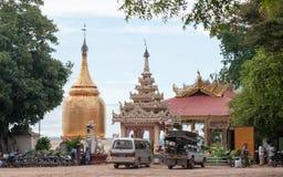 Bu Paya塔金黄stupa  库存图片