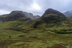 Buachaille Etive平均观测距离在雨天苏格兰 库存照片