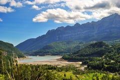 Bubale d'OS de lac dans les Pyrénées Photos stock