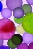 bubbla färgad stigning arkivfoton