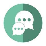 Bubblasamtaldialog som pratar social skugga för massmediagräsplancirkel Arkivfoto