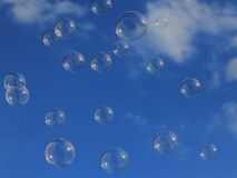 bubbles skyen Royaltyfri Foto