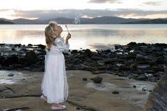 bubbles solnedgången royaltyfri bild
