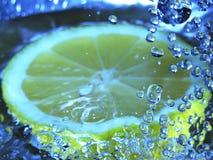 bubblig citron fotografering för bildbyråer
