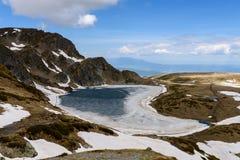 Bubreka или почка озера Babreka сформировали озеро, горы Rila, Болгарию Стоковые Изображения