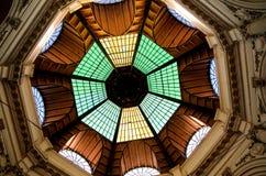 Bucarest - il vetro ha coperto la via Immagini Stock