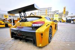 BUCAREST, ROMANIA - 10 OTTOBRE: Esposizione di strada di Renault fotografie stock