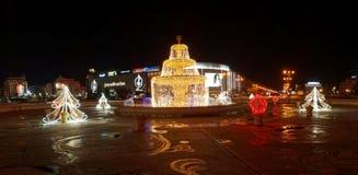BUCAREST, ROMANIA - 22 DICEMBRE 2014: Luci di Natale dentro Immagini Stock