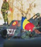 BUCAREST, ROUMANIE, LE 1ER DÉCEMBRE : Défilé militaire le jour national de la Roumanie, Arc de Triomphe, le 1er décembre 2013 à B Photo stock