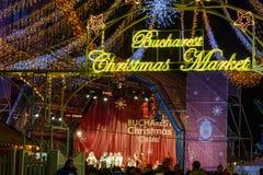 Bucarest, Rumania ï ¿½ 25 de diciembre: Mercado de la Navidad de Bucarest encendido Fotos de archivo libres de regalías