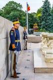Bucarest, Rumania - 20 de diciembre de 2015: Soldados de la guardia nacionales Foto de archivo libre de regalías