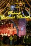 Bucarest, Rumania - 25 de diciembre: Mercado de la Navidad de Bucarest encendido Fotos de archivo libres de regalías