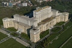 Bucarest, Rumania, el 9 de octubre de 2016: Vista aérea del palacio del parlamento en Bucarest Imagen de archivo libre de regalías