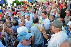 Bucareste protesta - a conversa de Mircea Badea para aglomerar-se Imagem de Stock Royalty Free