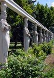 Bucareste, Romênia: Aleia das cariátides, parque de Herastrau Imagens de Stock Royalty Free