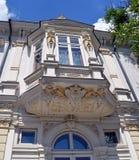 Bucareste, Romênia: Janela com detalhes do art nouveau Foto de Stock