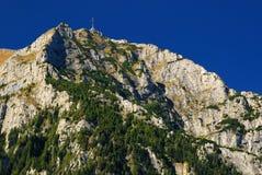 bucegi喀尔巴阡山脉的山全景土坎 库存图片