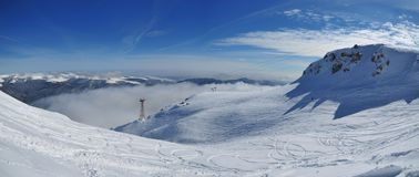 белизна наклона Румынии горы bucegi Стоковое фото RF