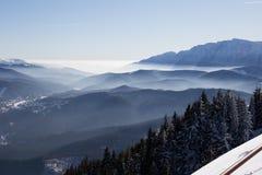 Bucegi-Berge angesehen von Postavarul-Spitze, Brasov, Siebenbürgen, Rumänien stockfotografie