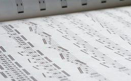 Buch der musikalischen Anmerkungen Stockbilder