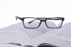 Buch, Gläser, Lizenzfreies Stockfoto