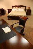 Buch im Schlafzimmer Lizenzfreies Stockfoto