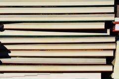Buch Konzept Stapel von Büchern und von Notizbüchern Lizenzfreie Stockfotos