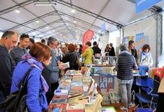 Buch-Messe in Brescia-` Librixia-` untranslatable Buchhandlungen groß und kleine Anzeige ihre besten Bücher Lizenzfreie Stockfotografie