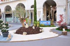 Buch-Messe in Brescia-` Librixia-` untranslatable Buchhandlungen groß und kleine Anzeige ihre besten Bücher lizenzfreies stockbild