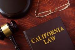 Buch mit Titel Kalifornien-Gesetz lizenzfreie stockbilder