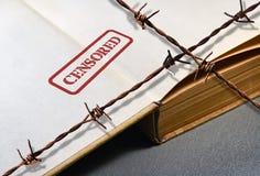 Buch und Draht lizenzfreie stockfotos