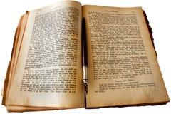 Buch und Feder Stockfoto