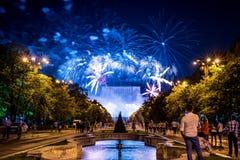 Bucharest årsdagdagar, fyrverkerier festar och beröm royaltyfri fotografi