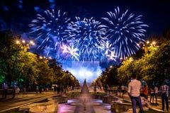 Bucharest årsdagdagar, fyrverkerier festar och beröm arkivfoto