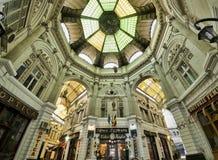 Bucharest arkitektur Arkivfoton