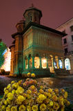 Bucharest - Cretulescu kyrka vid natt Arkivbilder