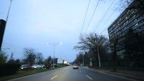 Bucharest czasu upływ z wewnątrz samochodowego materiału filmowego folował hd godzinę szczytu na ruchu drogowym zbiory