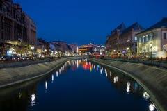 Bucharest i natten Arkivbilder