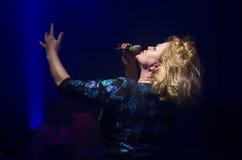 BUCHAREST, LUTY - 02: Marina Florea wykonuje w Nowożytnym klubie o Zdjęcia Royalty Free