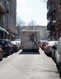 BUCHAREST - MARS 17: Bussa på den George Enescu gatan i det Bucharest fotoet som tas på mars 17, 2018 Royaltyfri Fotografi