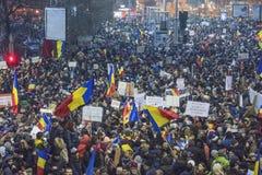 Bucharest protest mot regeringen Royaltyfria Bilder