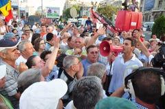 Bucharest protestiert - Mircea Badea Gespräch, um sich zu drängen Stockbild