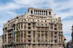 BUCHAREST/ROMANIA - SEPTEMBER 21: Sikt av gamla lägenheter i Buc royaltyfria foton