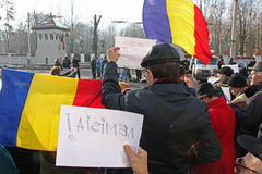 Bucharest Rumänien - protest mot presidenten Klaus Iohannis Royaltyfria Bilder