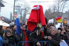 Bucharest Rumänien - protest mot presidenten Klaus Iohannis Royaltyfri Bild