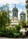 Bucharest, Rumunia - 2019 Biały kościół w Bucharest centrum miasta obraz stock