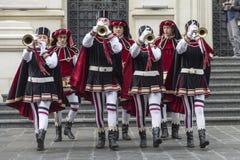 Bucharest Rumunia, Maj, - 30, 2014: Flaga Waha się przedstawienie wykonawcy od Włochy fotografia royalty free