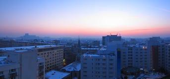 Bucharest solnedgångpanorama, Rumänien Fotografering för Bildbyråer