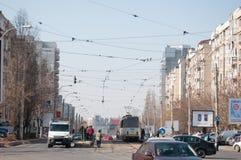 Bucharest trafik på den mitt- dagen fotografering för bildbyråer