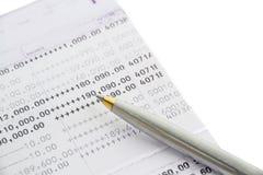 Buchbank und Stiftball Lizenzfreie Stockbilder